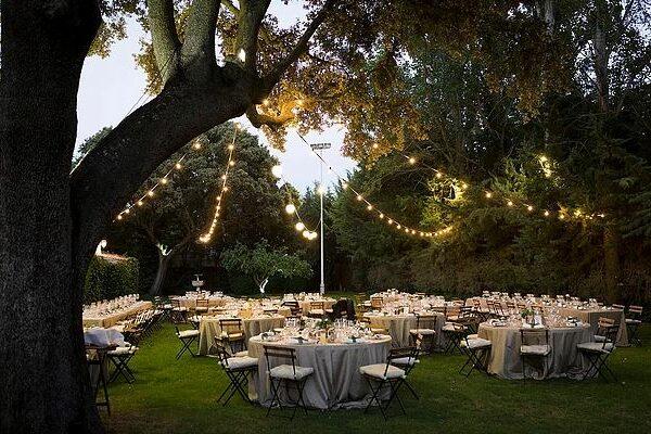 guirnaldas para iluminar bodas
